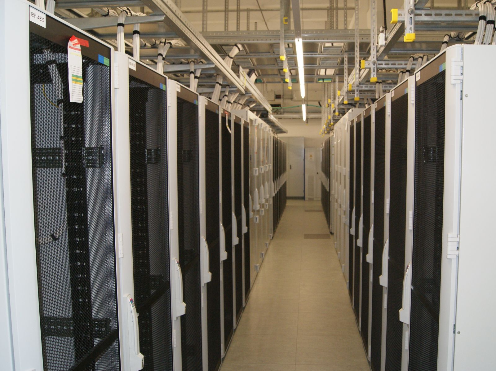 Hewlett-Packard - Data Center